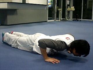胸の筋トレ プッシュアップ(腕立て伏せ) 2
