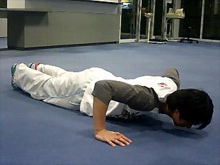 胸の筋トレ プッシュアップ(腕立て伏せ) 11