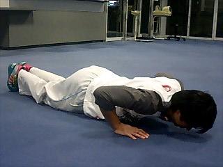 胸の筋トレ プッシュアップ(腕立て伏せ) 5