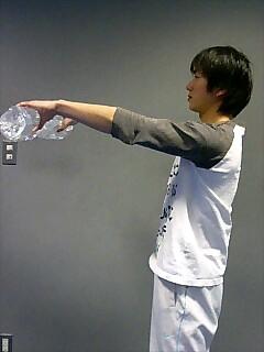 肩の筋トレ フロントレイズ 2