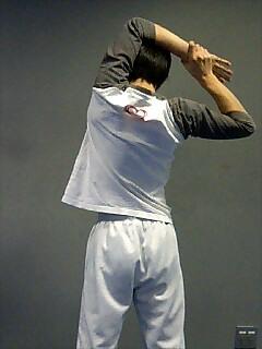 ストレッチ 肩と二の腕 3