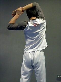 ストレッチ 肩と二の腕 4