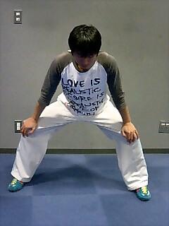 ストレッチ 股関節と肩 2