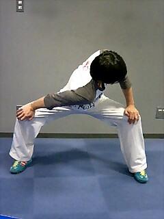 ストレッチ 股関節と肩 3
