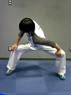 ストレッチ 股関節と肩 4